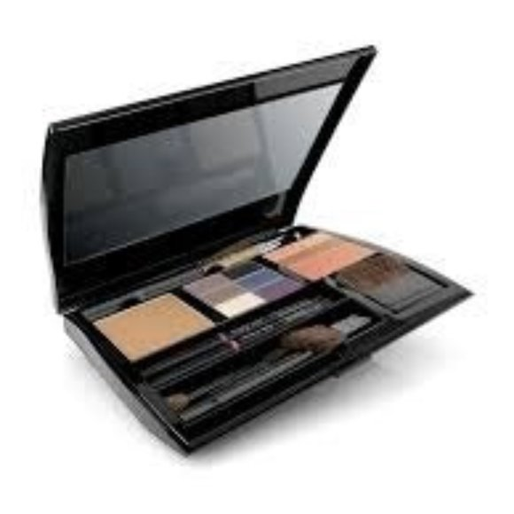 COMPACT PRO by Mary Kay